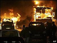 Vehicles burning in Diyarbakir after bomb blast