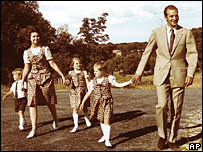Spain's King Juan Carlos, Queen Sofia and family in January 1975