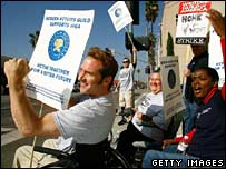 Disabled actors support WGA protest, 19 Nov 2006, Burbank, CA