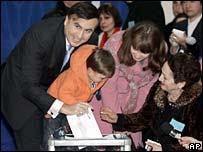 Mikhail Saakashvili voting
