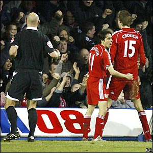 Crouch celebrates his goal at Luton