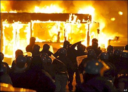 Burning a bus, Naples
