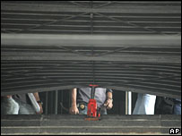 A hydraulic jack used by thieves to prise open the door to the Sao Paulo Museum of Art