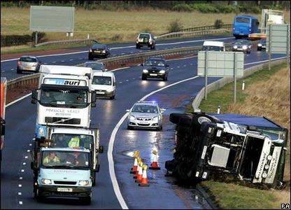 Lorry on M9