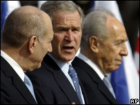 PM Ehud Olmert, President Bush and President Peres at Tel Aviv airport