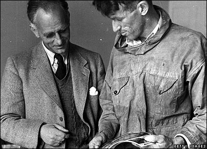 Sir Edmund Hillary (right) and Eric Shipton