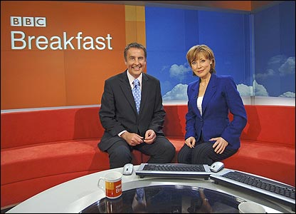 Dermot Murnaghan and Sian Williams presenting Breakfast in 2006