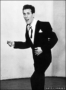 Bruce Forsyth pictured in 1950