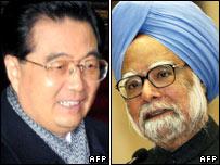 Hu Jintao (L) and Manmohan Singh (R)