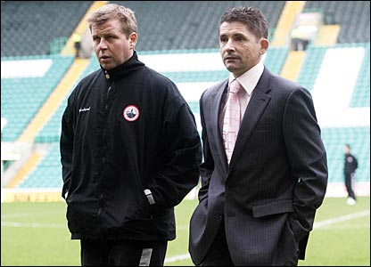 Stirling Albion boss Allan Moore (right) and assistant Mark McNally
