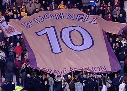 Motherwell fans unveil a huge No10 strip in memory of the late Phil O'Donnell
