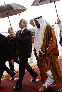 US President George W Bush and UAE President Sheikh Khalifa bin Zayed al-Nuhayyan