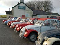 The Citroesn as the classic car meeting