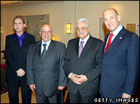 Tzipi Livni, Ahmed Qurei, Mahmoud Abbas and Ehud Olmert (27 December 2007)