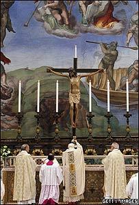 El Papa Benedicto XVI durante la liturgia de este domingo (13/01/08)