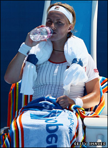 Svetlana Kuznetsova tries to keep her cool during her game with France's Nathalie Dechy