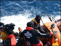 Anti-whaling activists, 15/01/08