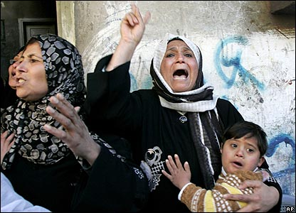 Angry relatives at Palestinian funeral.