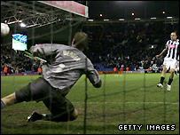 Roman Bednar scores the winning penalty for West Brom