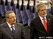 El presidente interino, Raúl Castro, y Lula