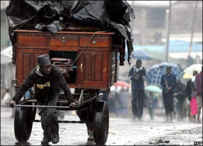 People fleeing a Nairobi slum