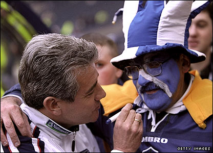 Keegan consoles a Scotland fan after England's win at Hampden Park