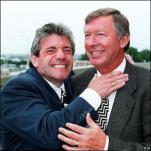 Keegan shares a joke with Alex Ferguson