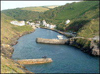 Boscastle harbour: Pic Des Sampson