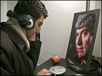 Visitor at Hrant Dink audio exhibition