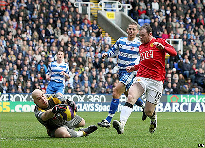 Reading's keeper Marcus Hahnemann denies Wayne Rooney