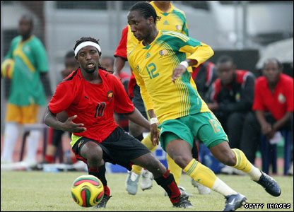 'Teko' Modise (right)
