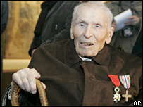 Lazare Ponticelli celebrating his 110th birthday on 16 Dec 2007