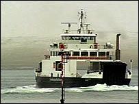 CalMac ferry arriving