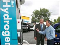 President Bush at hydrogen pump. Image: AFP/Getty