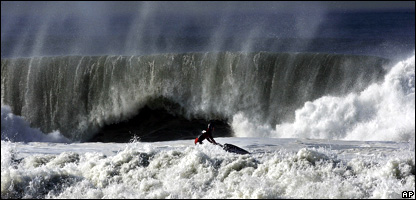 Huge wave crashes on to Californian beach (Image: AP)