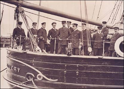 Officers and scientists on board Discovery