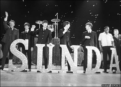 Bruce Forsyth (l) with The Beatles on Sunday Night at the London Palladium