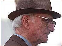 Racing commentator Sir Peter O'Sullevan