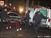 La policía de NY retira el cuerpo de Ledger de su residencia en el Soho