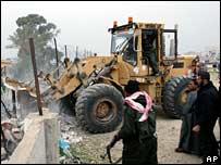 Palestinos destruyen la frontera con Egipto