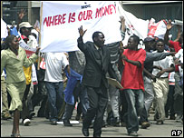 Opposition supporters protest in Harare on Wednesday 23 January 2008