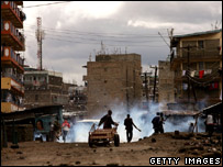 Violence breaks out in Nairobi's Mathare slum (20 Jan 2008)