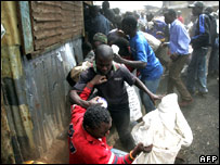 Looters in Kibera
