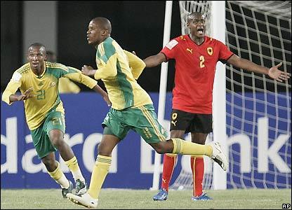 Elrio van Heerden celebrates his goal