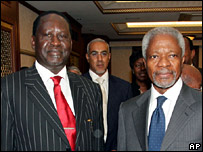 Raila Odinga (left) and Kofi Annan in Nairobi (23 January 2007)