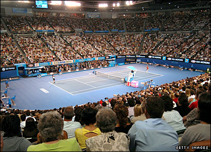Tennis fans flocked to the Rod Laver Arena in Melbourne for the first of the men's semi-finals