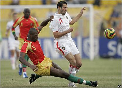 Bobo Balde tackles Zerka