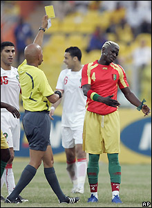 The South African referee books Cisse