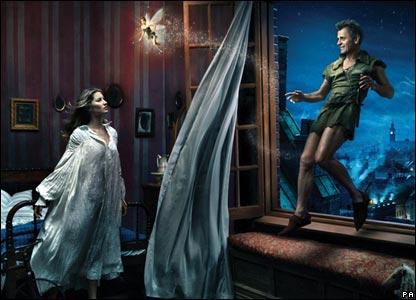 Ballet dancer Mikhail Baryshnikov appears as Peter Pan, alongside supermodel Giselle as Wendy and Tina Fey as Tinkerbell