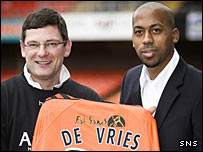 Dundee Utd manager Craig Levein and striker Mark de Vries